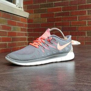 Womens Nike Free Run 5.0 Running Shoes SZ 8.5 Used
